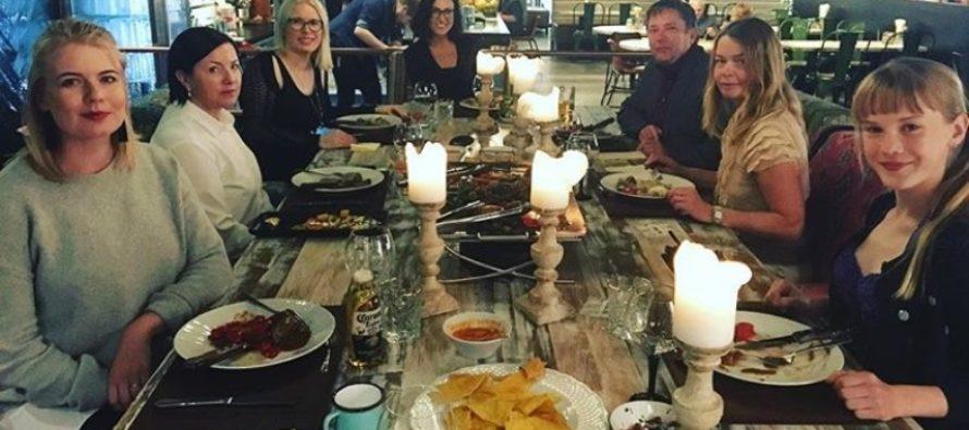 """Helena-Reet: Med dottern Estella Elisheva på en tillställning """"The Table"""" på Amarillo + BILDER & VIDEO!"""