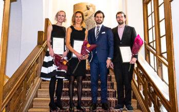 Sverige: Prins Carl Philip delade ut anslag till forskning om för tidigt födda barn