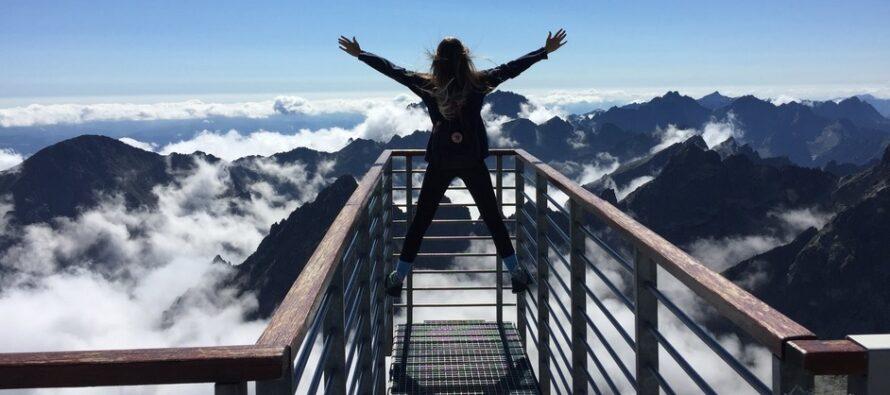 Kolla om du är MENTALT STARK PERSONLIGHET + 15 saker som självsäkra människor aldrig kommer att göra!