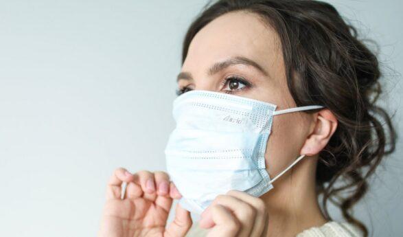 Nyligen genomförd studie: Coronaviruset sprider sig längre än myndigheterna hävdar, viruset STANNAR I LUFTEN i 30 minuter