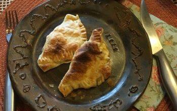 Recept: HEMLAGADE mycket välsmakande skinka-basilikapajer med jäst-smördeg