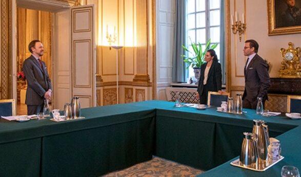Sverige: Kronprinsessparet i möte med Utrikespolitiska institutet