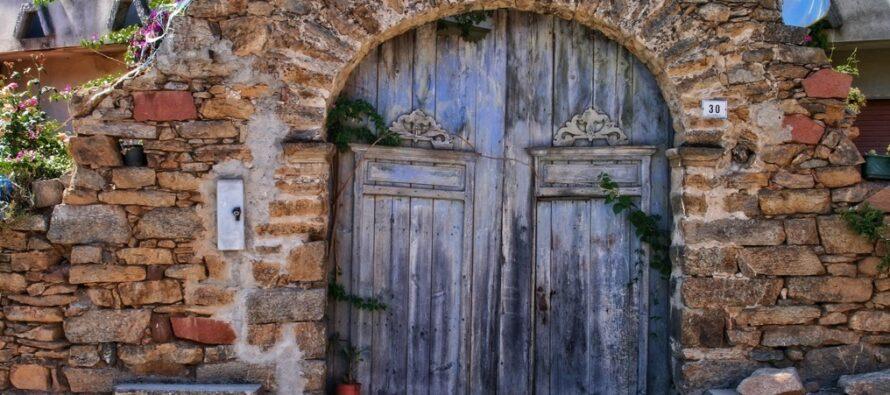 Vedaskrifternas vishet: VAD BERÄTTAR dörren till ditt hem och hur påverkar den energin i ditt hem?